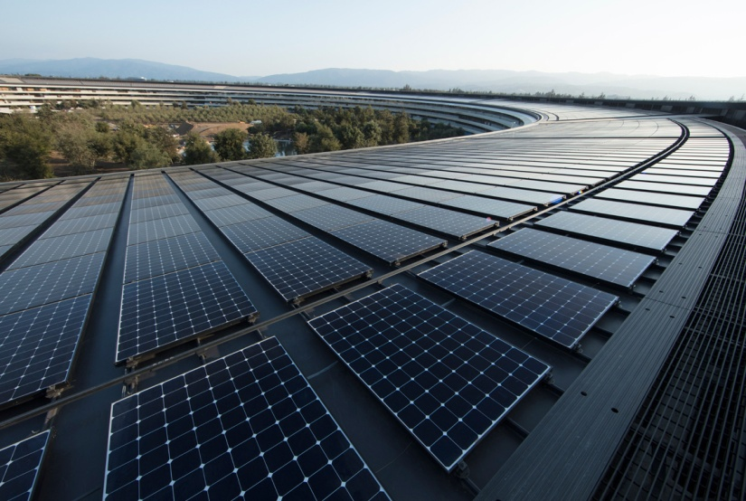 renewable_energy_apple_ap_solar_panels_040918